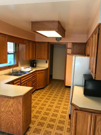 old outdated kitchen before cabinet refacing