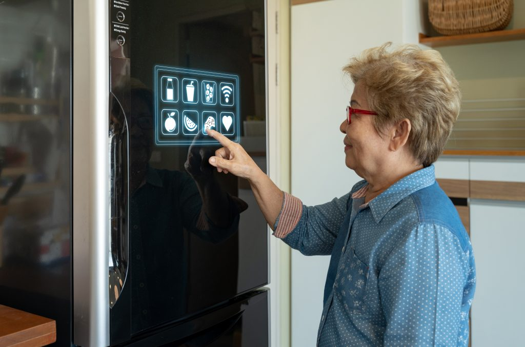Connecting to a smart refrigerator